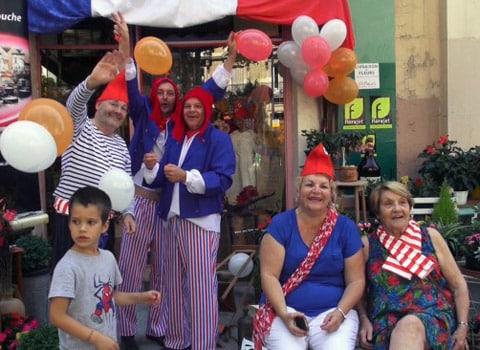 Suspectée d'avoir été favorisée dans l'attribution de marchés de la Fête des tuiles, l'association Fusées a participé à la campagne du maire de Grenoble.Suspectée d'avoir été favorisée dans l'attribution de marchés de la Fête des tuiles, l'association a participé activement à la campagne du maire de Grenoble