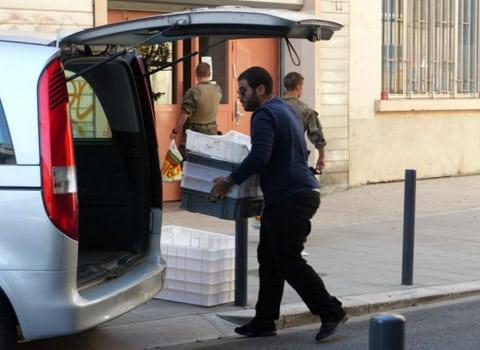 Les restrictions de circulation se durcissent dans l'agglomération. Premiers concernés, les véhicules de livraison. Mais Grenoble pousse à la roue.
