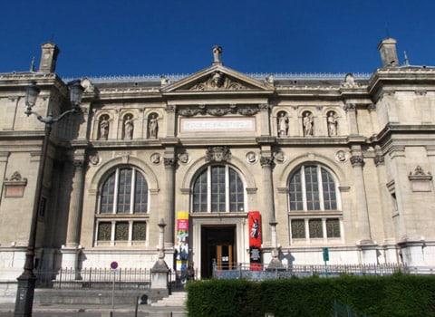 Plateforme Ancien musée de peinture place de Verdun à Grenoble, lieu de co-concertation pour les services publics de demain. © Séverine Cattiaux - placegrenet.fr