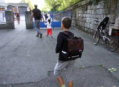 Enfants allant à l'école. © Joël Kermabon – Place Gre'net