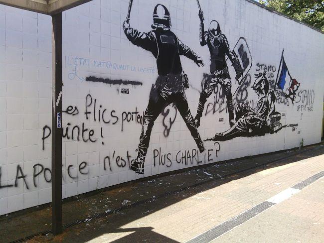 Une fresque qui avait suscité... le débat. Yann Mongaburu rappelle que l'artiste est indépendant du pouvoir politique. © Alexandra Moullec - Place Gre'net