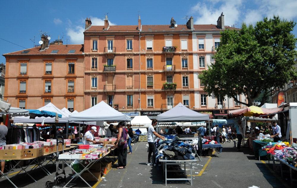 Saint bruno l 39 autre centre ville de grenoble place for Marche piscine