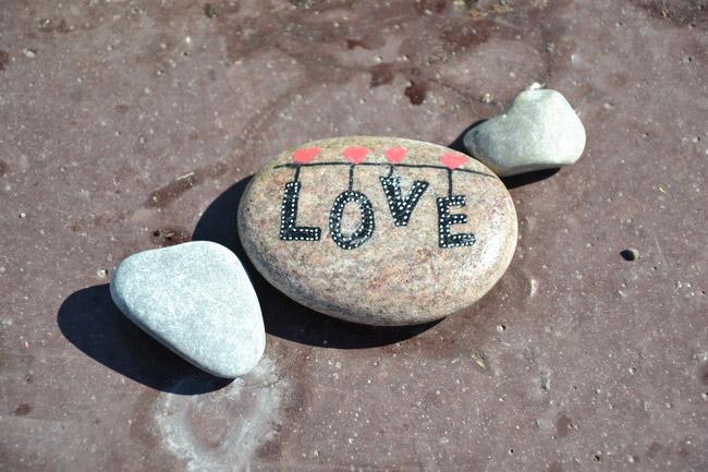 Hommage sur la Promenade des Anglais à Nice : Love. © André Weill