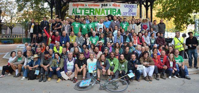 Grenoble accueille la dernière étape du Tour vélo à énergie positive d'Alternatiba. Au programme : deux jours de fête au parc Mistral les 26 et 27 juillet.Alternatiba Grenoble 2015. DR