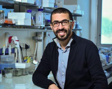Le Dr Hakimi, directeur de recherche à l'INSERM, spécialiste de Toxoplasma gondii, parasite de la toxoplasmose.