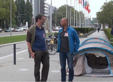De gauche à droite : Philippe Candegabe, secrétaire général FO Ville de Grenoble et Sid Hamed Beldjenna , ancien policier municipal FO. © Joël Kermabon - Place Gre'net