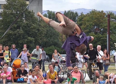 Annulation de l'édition 2020 du festival grenoblois d'arts de rue Merci Bonsoir