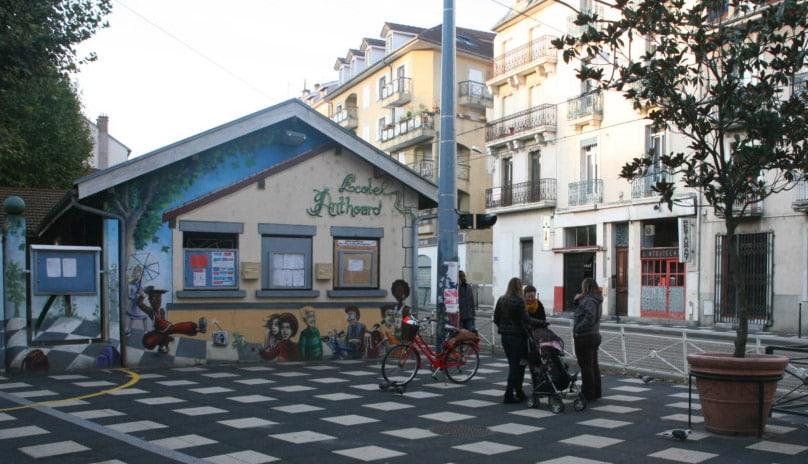 La Ville de Grenoble veut piétonniser les abords de l'école Anthoard © Florent Mathieu – Place Gre'net