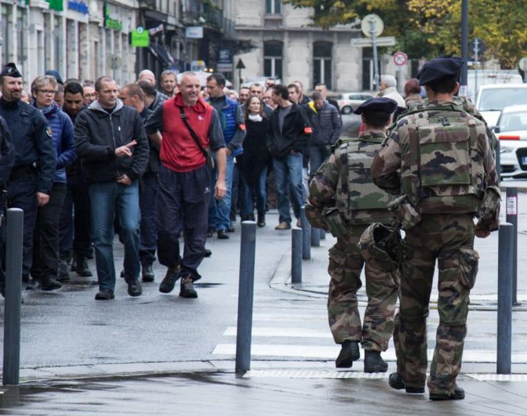 Marche de la col re polici re et citoyenne grenoble for Police grenoble