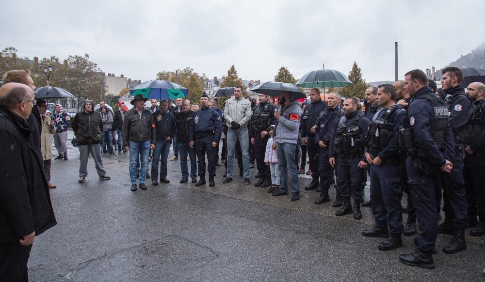 Manifestation de policiers grenoblois. 26 Octobre 2016. © Yuliya Ruzhechka - Place Gre'Net
