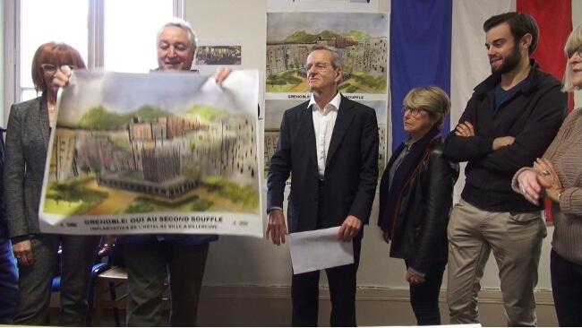 François Tarantini présente l'affiche de la nouvelle campagne. © Joël Kermabon - Place Gre'net