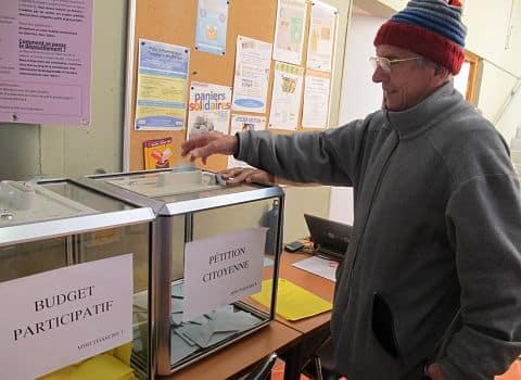UNE Première votation citoyenne et budget participatif organisés en octobre 2016. © Séverine Cattiaux – Place Gre'net