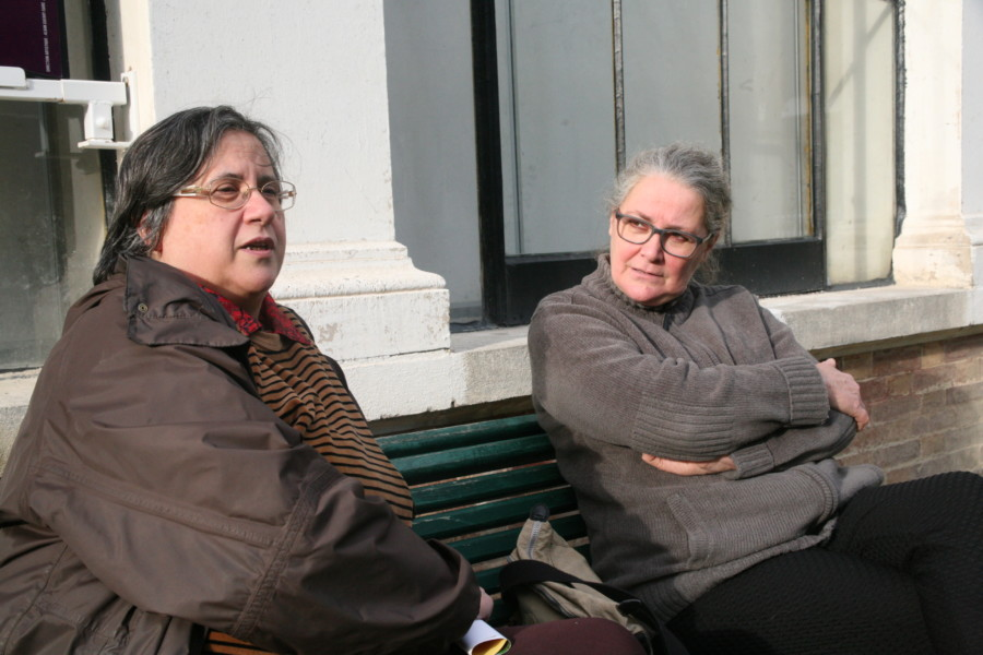 Les soins vétérinaires aux pigeons blessés, la prochaine étape de Chantal et Catherine ? © Florent Mathieu - Place Gre'net