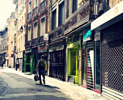 Rue piétonne à Grenoble immobilier
