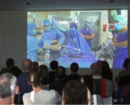 """La 1ère Journée de chirurgie """"live"""" orthopédique organisée par la Clinique des Cèdres située à Échirolles a rassemblé 250 professionnels de la santé."""