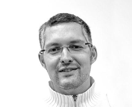 L'avocat Claude Coutaz, engagé dans la défense des immigrés et des sans-papiers, et élu à Grenoble.