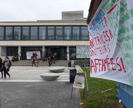 Prime en sursis, salaires différés : l'autre visage de l'université