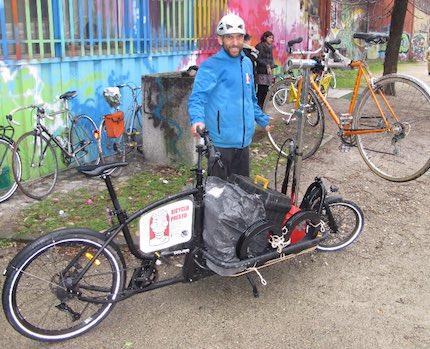 Jean-Eric Mesmain, gérant de BicycloPresto à Grenoble juge inéquitable la réglementation Crit'Air. DR