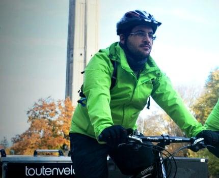 Tribune de Jérôme Cucarollo, suite à la manifestation du 5 décembre contre CVCM. Cet entrepreneur à vélo défend le recul du 4 roues dans les centres-villes.