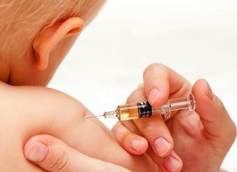 La députée européenne Mireille d'Ornano (FN) interpelle Bruxelles sur les difficultés d'approvisionnement en vaccins pédiatriques.