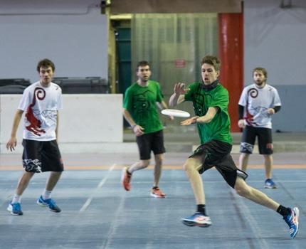 Les meilleures équipes de 2e division nationale d'ultimate se sont affrontées les 14 et 15 janvier à Grenoble. L'équipe grenobloise des Monkey finit 2e.