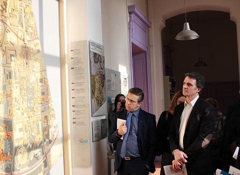 Eric Piolle et Christophe Ferrari face à la maquette du plan Bernard, lors de vœux du président de l'agence d'urbanisme. © Corentin Libert