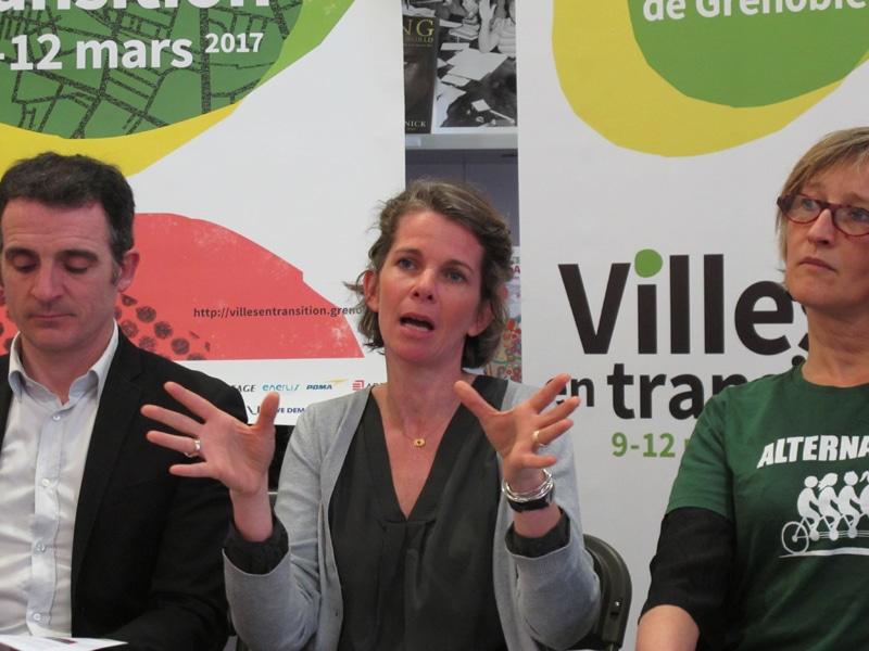 Mondane Jactat, adjointe à la Santé et à la Politique de prévention, aux côtés du maire de Grenoble Éric Piolle © Séverine Cattiaux – Place Gre'net