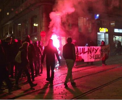 """Environ 300 personnes s'étaient réunies le 10 février à Grenoble, pour réclamer """"Justice pour Théo"""", le jeune homme victime de graves violences policières.© Joël Kermabon - Place Gre'net"""