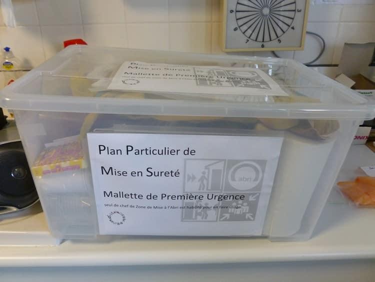 Un exemple de mallette PPMS : celle du collège Gustave Courbet de Trappes (Yvelines). © Collège Gustave Courbet