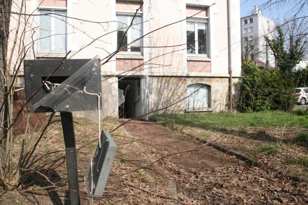 Un décor de film d'épouvante pour des locaux vides mais très bien conservés © Florent Mathieu - Place Gre'net