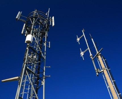 Les quatre opérateurs de téléphonie mobile attaquent le Plan local d'urbanisme de la Ville de Grenoble