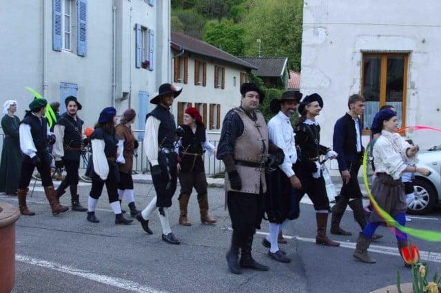 Les Lames du Dauphiné habillés de pieds en cape lors du festival Lesdiguières. Sassenage le samedi 8 avril © Albéric Marzullo - Place Gre'net