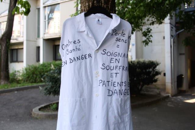 Mobilisation devant le siège de l'Agecsa © Anaïs Mariotti - Place Gre'net