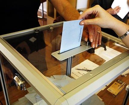 122 candidats ont été enregistrés dans les dix circonscriptions de l'Isère, selon la préfecture. Découvrez-les tous en cliquant sur notre carte interactive.