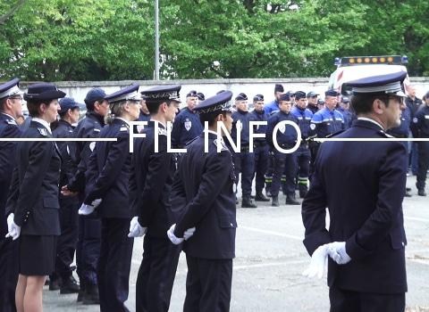 Les policiers grenoblois ont observé une minute de silence en hommage à Xavier Jugelé tué lors de l'attaque terroriste de ce 20 avril sur les Champs-Élysées