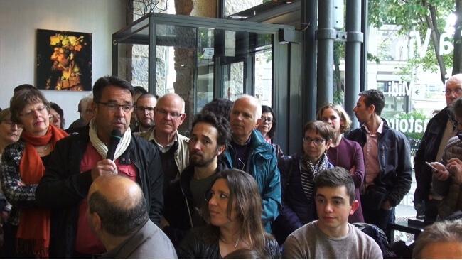Militants des comités et citoyens prennent la parole. © Joël Kermabon - Place Gre'net
