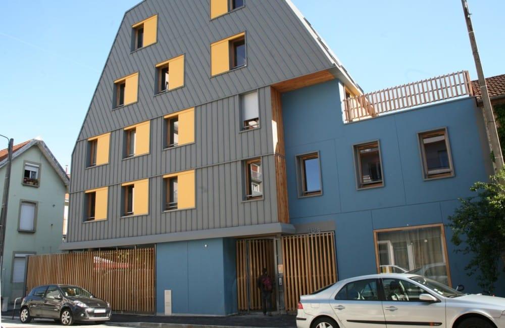 Au Clair du quartier, un immeuble qui ne passe pas inaperçu © Florent Mathieu - Place Gre'net