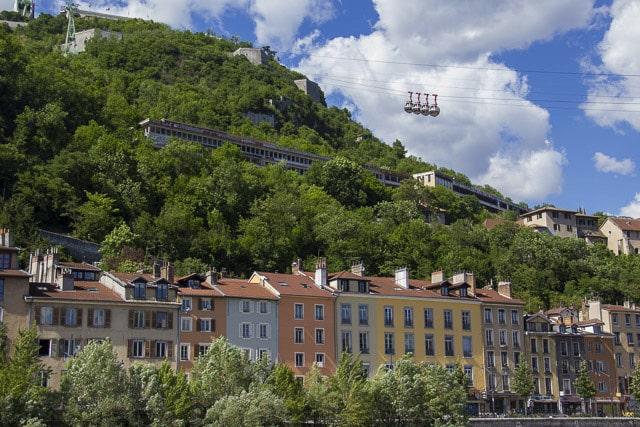 Téléphérique de la Bastille, les bulles de Grenoble, quais de l'Isère © Chloé Ponset - Place Gre'net