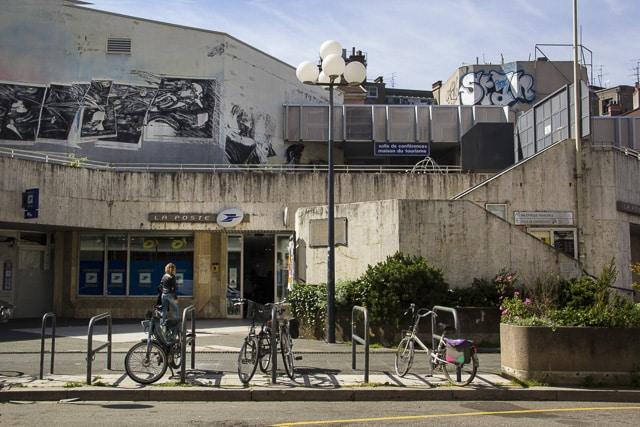 Bureau de poste office de tourisme grenoble credit chloe ponset