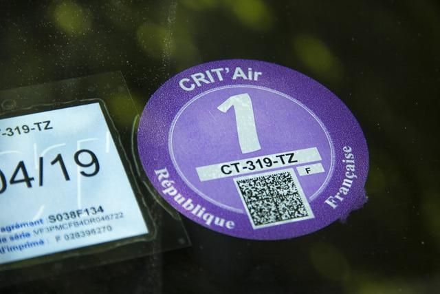Faute de vignette Crit'Air, les véhicules des agents de Grenoble ne peuvent pas circuler en cas de pic de pollution... © Chloé Ponset - Place Gre'net