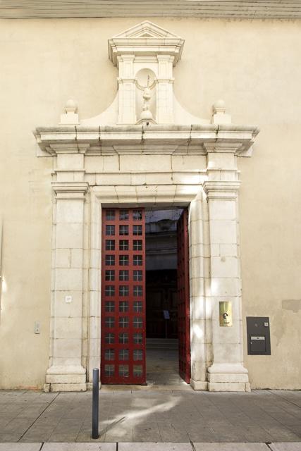 Entrée du siège des éditions Glénat, Couvent Sainte-Cécile © Chloé Ponset - Place Gre'net