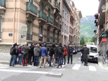 Expulsion du squat de la rue Aristide Bergès, le 10 mai, occupé depuis la veille par le Réseau du 22, en soutien aux exilés du Village olympique.