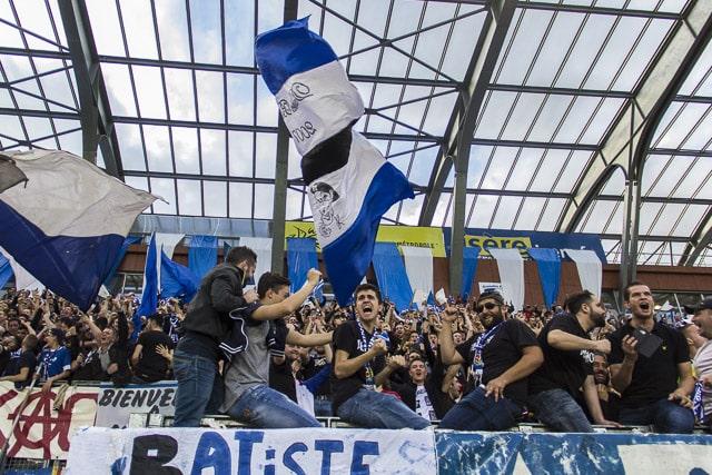 Supporters au match du 13 mai 2017, GF38 - Le Puy, Stade des Alpes, Grenoble © Chloé Ponset - Place Gre'net