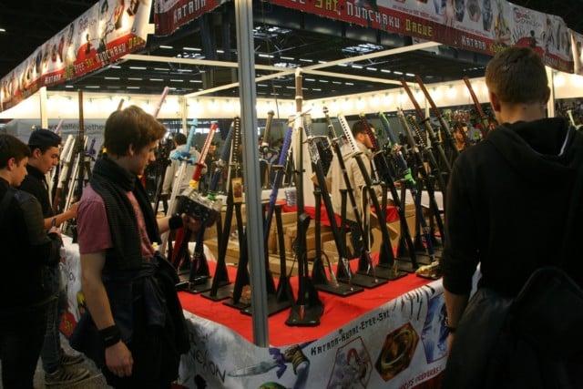Des épées qui s'exposent et se vendent. © Florent Mathieu - Place Gre'net