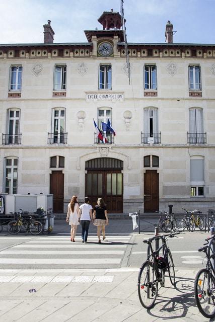 Taux de réussite au bac des lycées : le lycée Champollion de Grenoble arrive en tête. © Chloé Ponset - Place Gre'net