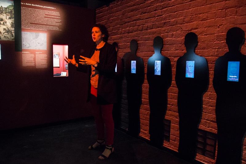 Alice Buffet présente le nouvel espace muséographique du Musée de la Résistance. © Yuliya Ruzhechka - Place Gre'net