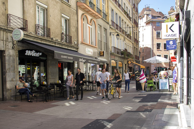 Les commerçants de l'hypercentre de Grenoble peuvent désormais déposer leurs cartons dans des points de collecte © Chloé Ponset - Place Gre'net