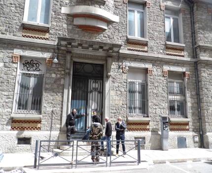 """Le Réseau du 22, soutenant les anciens squatteurs du Village olympique, a mené une double action coup de poing ce 9 mai et dénonce une """"expulsion illégale""""."""