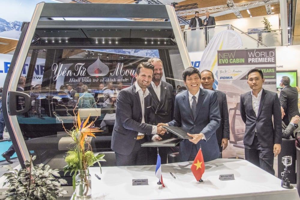 Signature de l'avenant entre le groupe Poma et le groupe Tung Lam Development Joint Stock durant le salon Interalpin d'Innsbruck. DR
