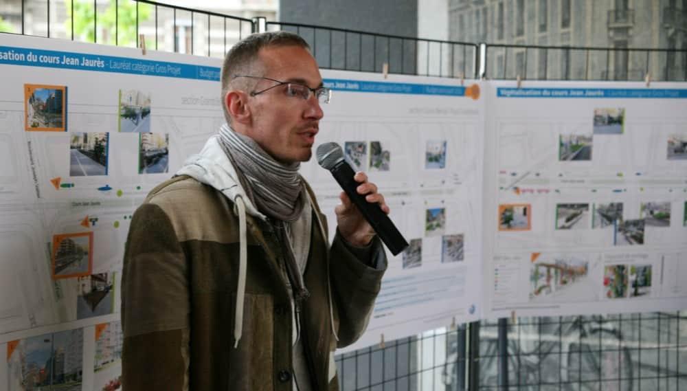 Florian Artus défend une nouvelle fois son projet sous le pont de l'Estacade au cours d'une réunion publique © Florent Mathieu - Place Gre'net
